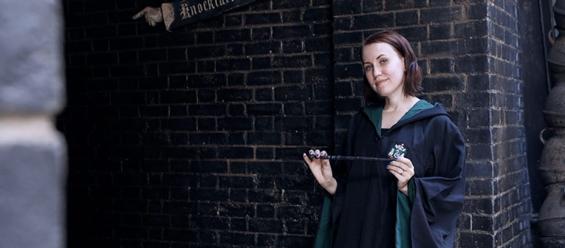 Knockturn-Alley-in-The-Wizarding-World-of-Harry-Potter.jpg